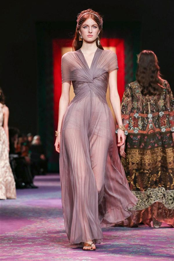Dior Haute Couture İlkbahar/Yaz 2020 Defilesinden Yıldız Görünümler - Dior Haute Couture İlkbahar/Yaz 2020 Defilesinden Yıldız Görünümler