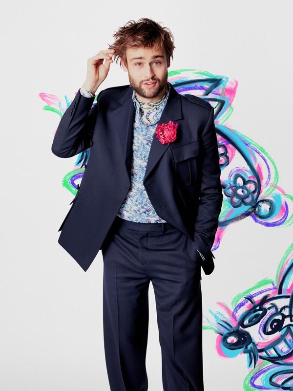 Douglas Booth - Dior Men 2021 Dijital Şovunda Ünlü İsimler