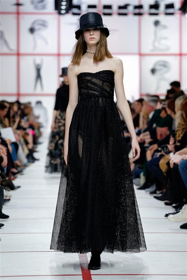 Dior'dan Etkileyici Sonbahar/Kış 2019 Tasarımları