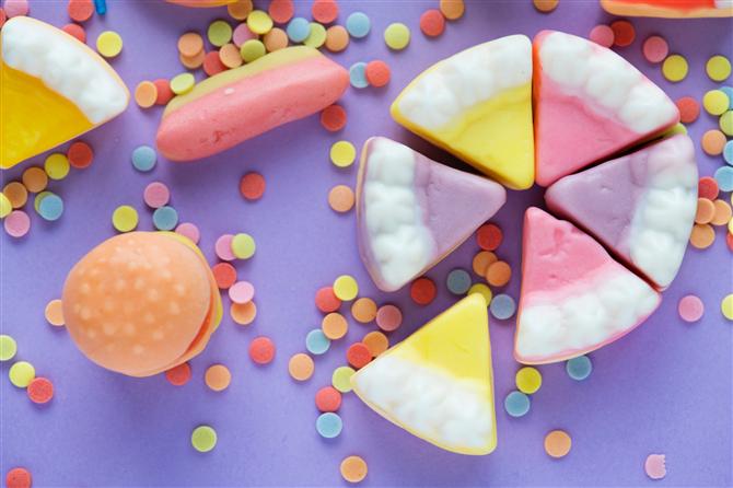 Şekerlemeler - Diş Sağlığını Bozan 8 Besin