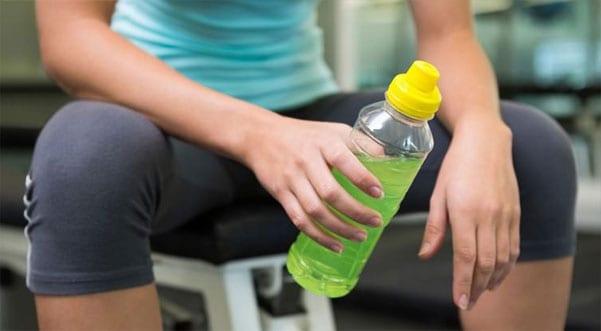 Sporcu İçecekleri - Diş Sağlığını Bozan 8 Besin