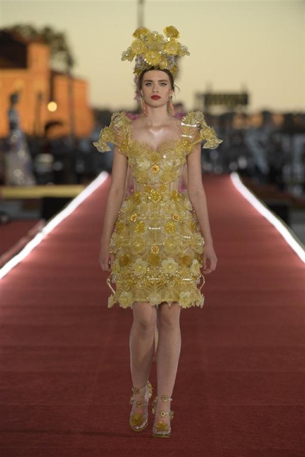 Dolce & Gabbana Alta Moda 2021 Şovundan Büyüleyici Tasarımlar