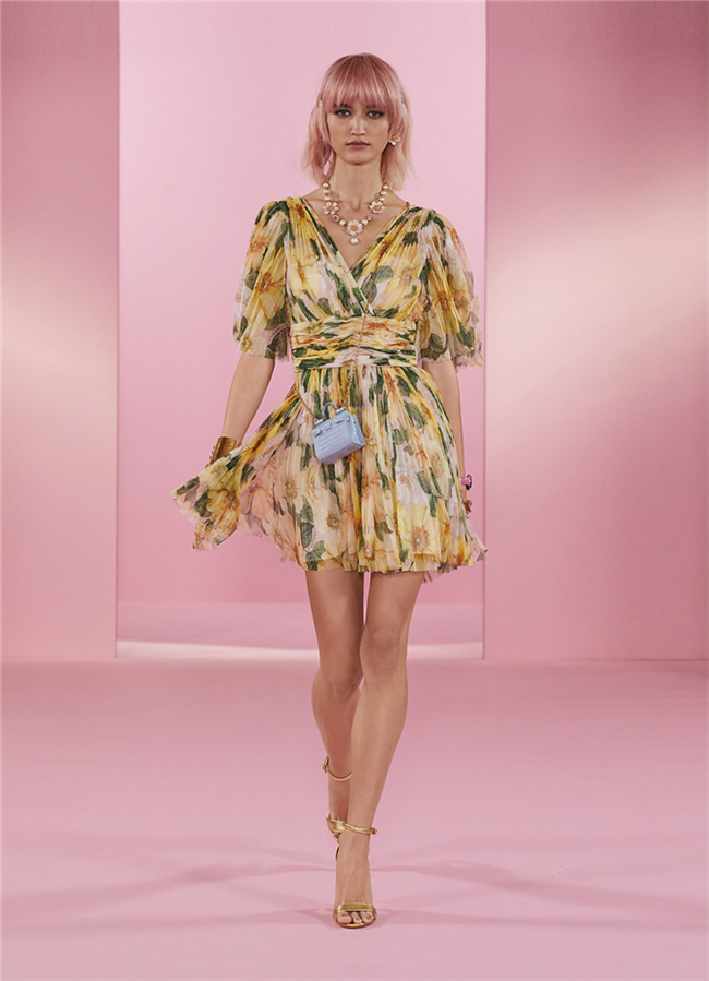 Dolce & Gabbana Power Pastel Koleksiyonundan Sıcacık Tasarımlar