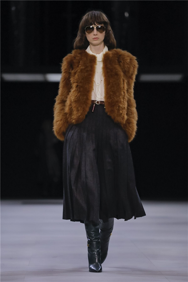Elegan Parçaların Başrolde Olduğu Celine Sonbahar/Kış 2019 Koleksiyonu