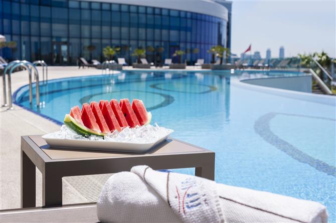 Elite World Europe ve Asia Hotel'de Açık Havuzlar İle Şehirde Tatil Deneyimi - Elite World Europe ve Asia Hotel'de Açık Havuzlar İle Şehirde Tatil Deneyimi