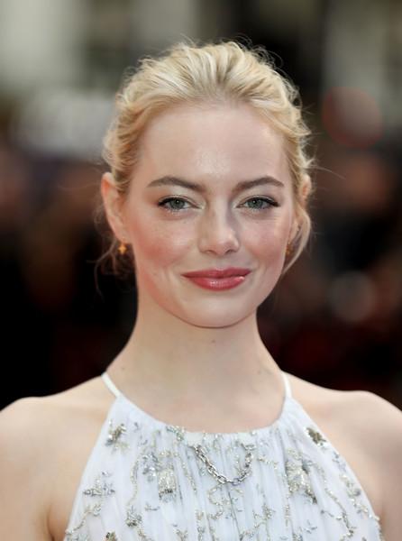 2017 - Emma Stone'un Güzellik Evrimi