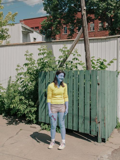 Etienne Dufresne'nin Garip ve Çarpıcı Mavi Kadınları