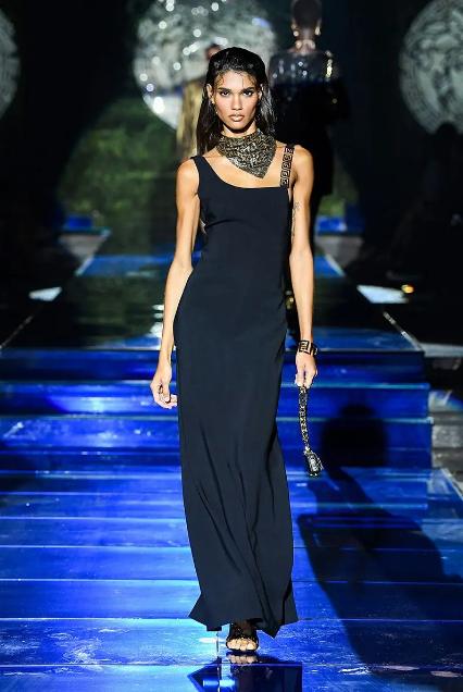 Fendace: Versace ve Fendi İş Birliği - Fendace: Versace ve Fendi İş Birliği