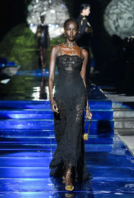 Fendace: Versace ve Fendi İş Birliği