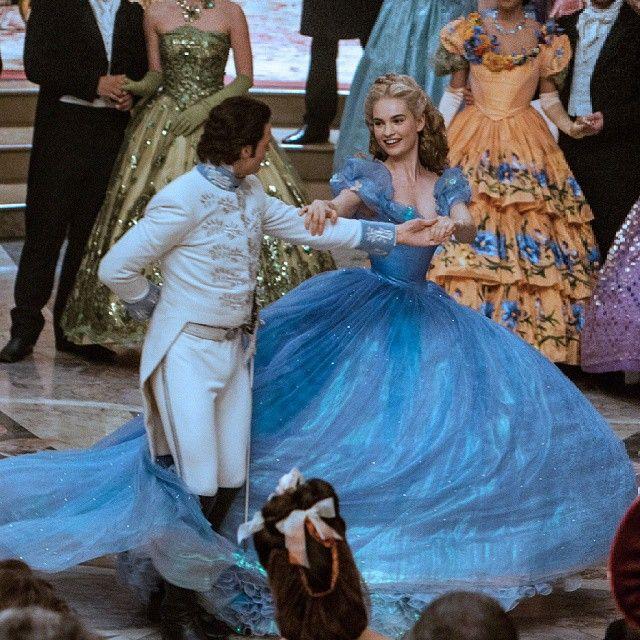 Cinderella - Filmlerden Hafızalara Kazınan En Şık Elbiseler