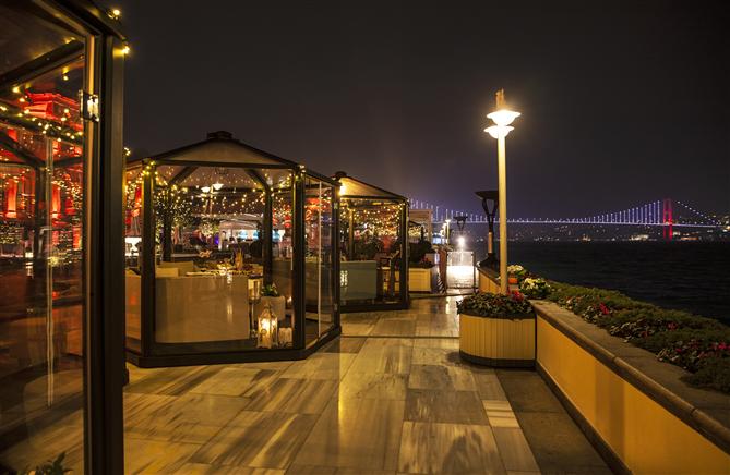 Four Seasons Hotels İstanbul Yılbaşı Kutlamalarının Gözdesi Olacak - Four Seasons Hotels İstanbul Yılbaşı Kutlamalarının Gözdesi Olacak