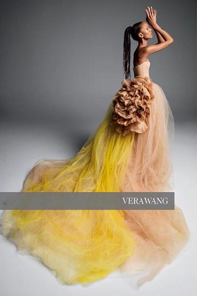 Vera Wang 2019 ilkbahar gelinlik defilesi örnekleri (1)