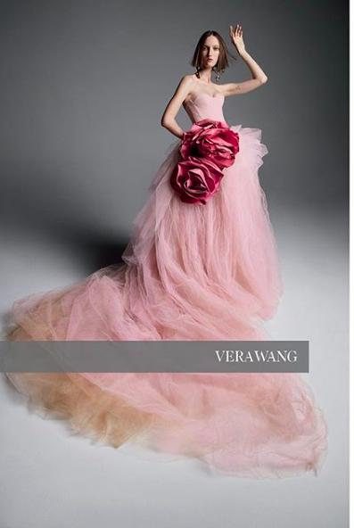 Gelinliklere Renk Geldi : Vera Wang'in Bahar 2019 Gelinlik Koleksiyonu - Vera Wang'in Bahar 2019 Gelinlik Koleksiyonu