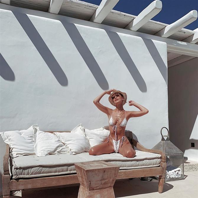 Gigi Hadid ve Bella Hadid'in Yunanistan Tatilinden İlham Veren Stil Görünümleri