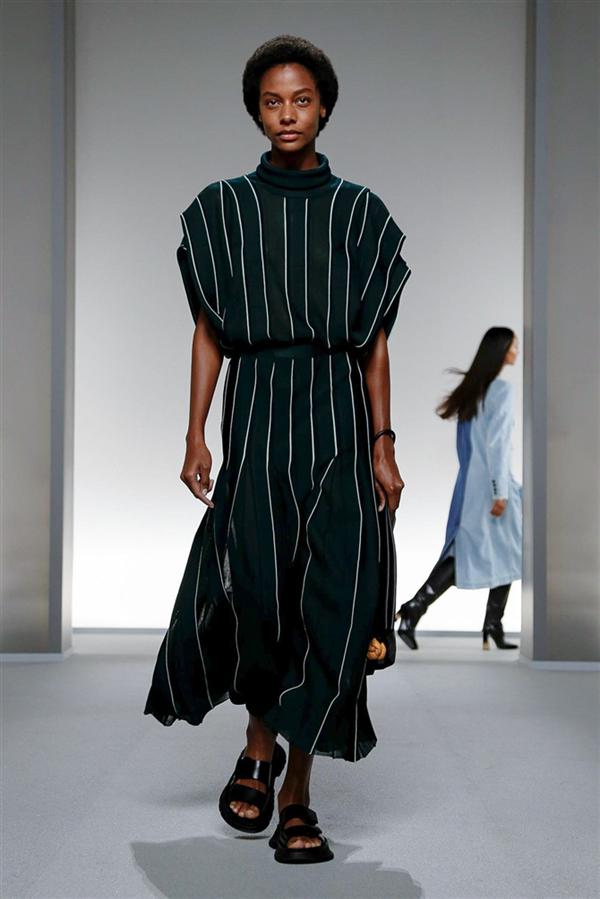 Givenchy'den Etkileyici İlkbahar/Yaz 2020 Tasarımları