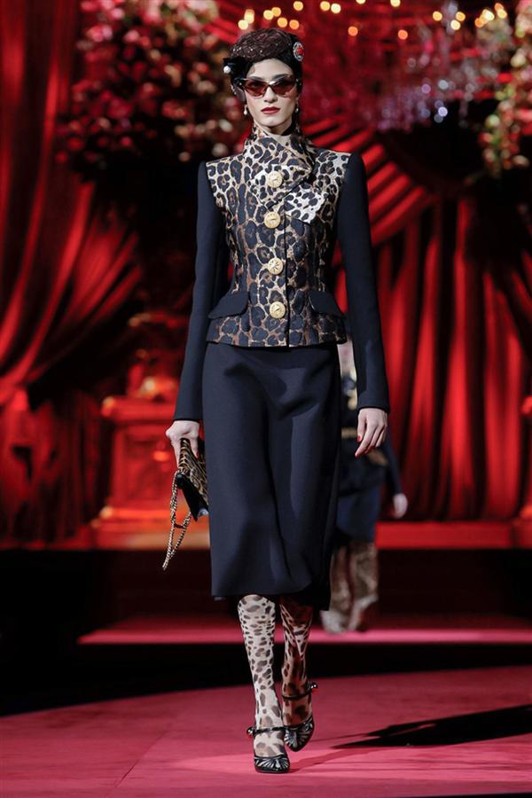 Göz Kamaştıran Detaylarıyla Dolce & Gabbana Sonbahar/Kış 2019 Tasarımları