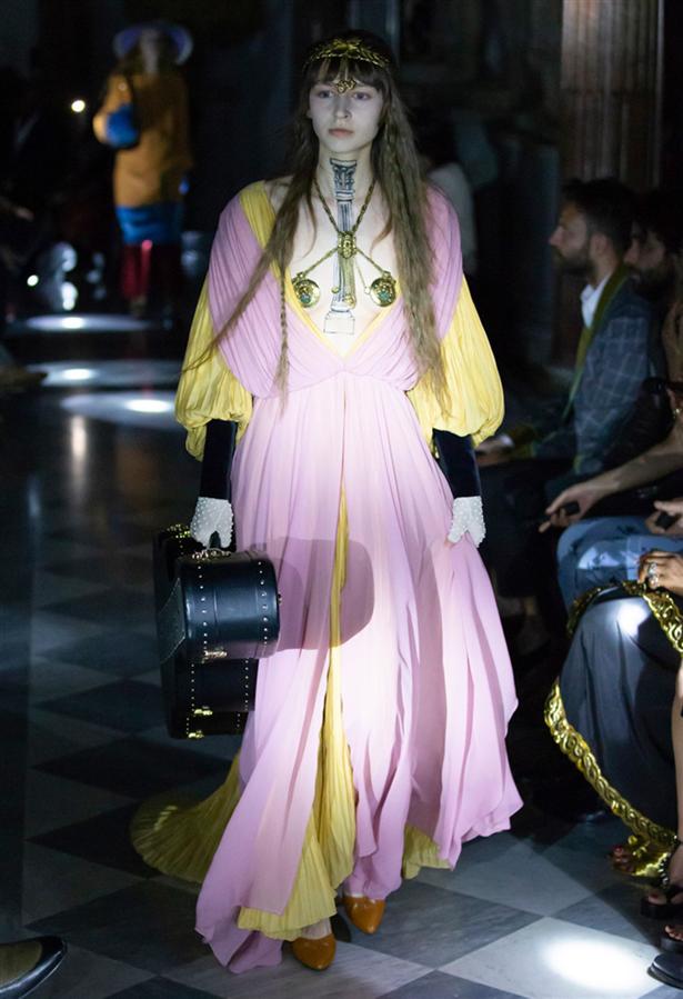 Gucci Cruise 2020 Koleksiyonundan Etkileyici Tasarımlar
