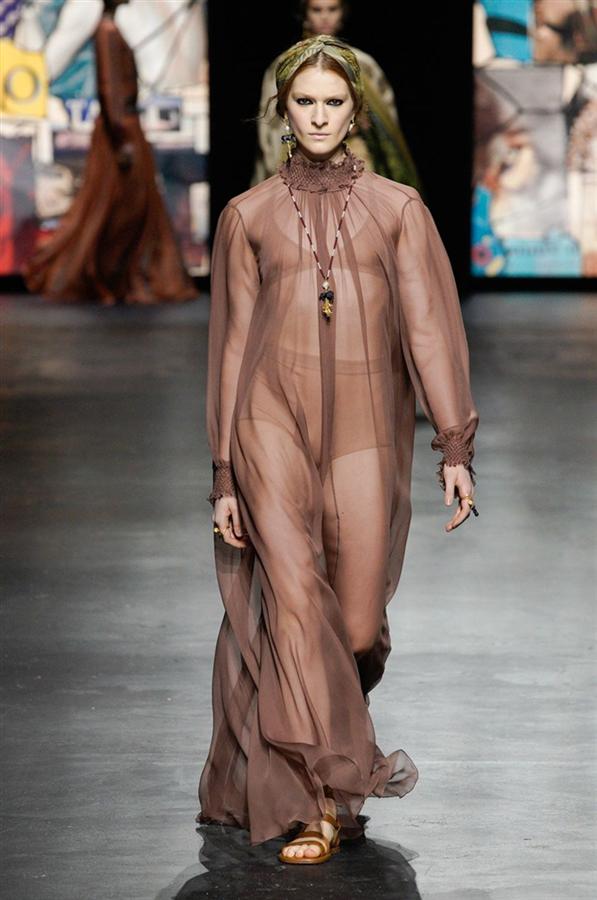 Gücünü Sadeliğinden Alan Christian Dior İlkbahar/Yaz 2021 Koleksiyonu - Gücünü Sadeliğinden Alan Christian Dior İlkbahar/Yaz 2021 Koleksiyonu
