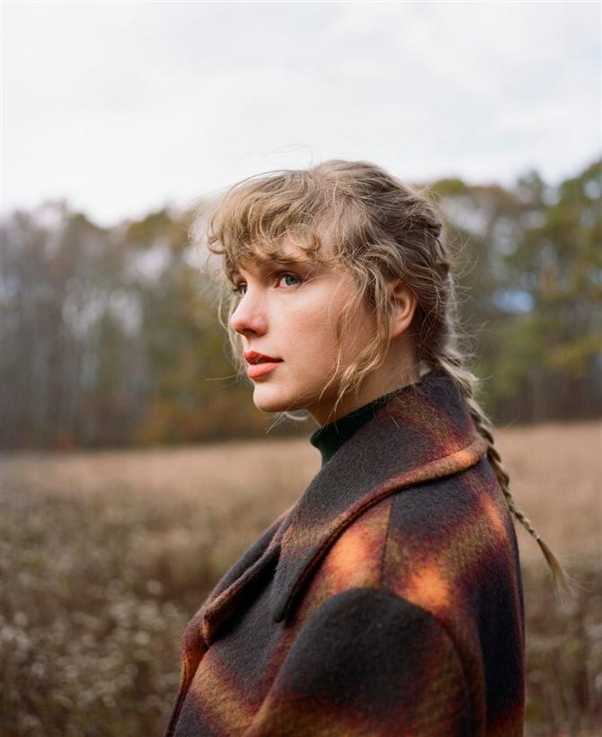 Güzellik İlhamı: Taylor Swift'in Fransız Balıksırtı Saç Örgüsü - Güzellik İlhamı: Taylor Swift'in Fransız Balıksırtı Saç Örgüsü
