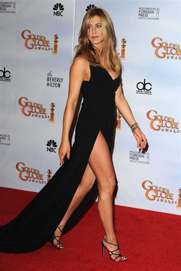 Jennifer Aniston - Hafızalardan Silinmeyen Altın Küre Ödül Töreni Görünümleri