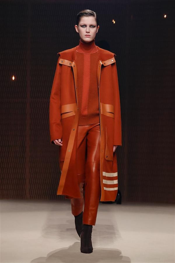 Hermes'ten Sonbahar/Kış 2019 Tasarımlarına Şık Deri Yorumu