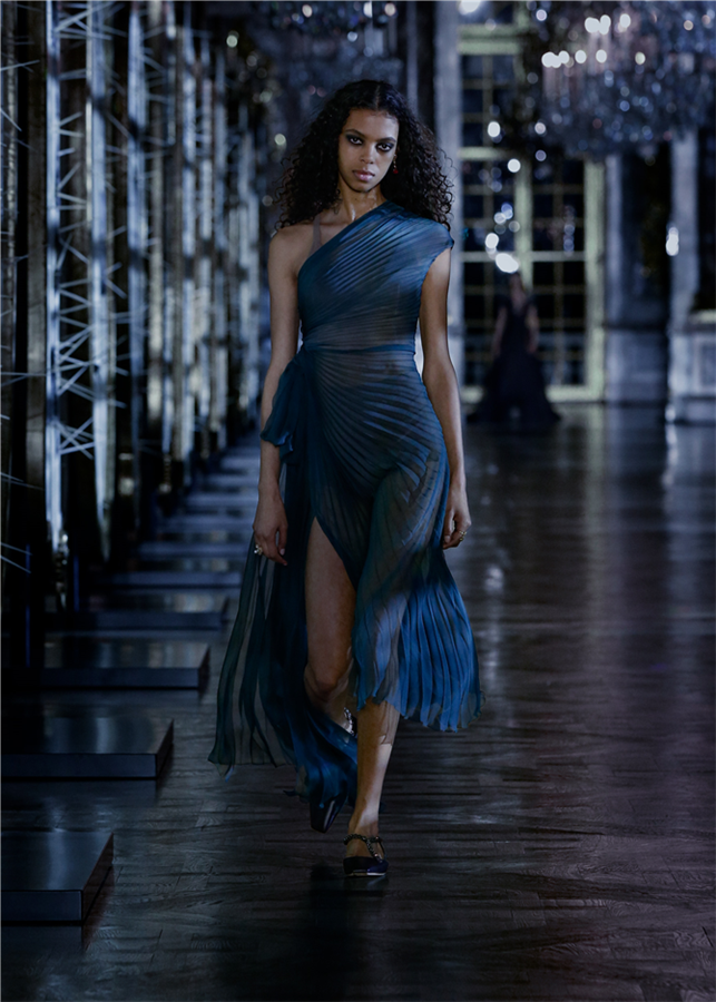 İlhamını Masallardan Alan Dior Sonbahar/Kış 2021-22 Koleksiyonu - İlhamını Masallardan Alan Dior Sonbahar/Kış 2021-22 Koleksiyonu