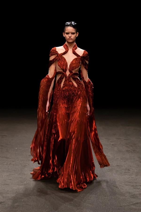 Iris Van Herpen Haute Couture İlkbahar/Yaz 2021 - Iris Van Herpen Haute Couture İlkbahar/Yaz 2021