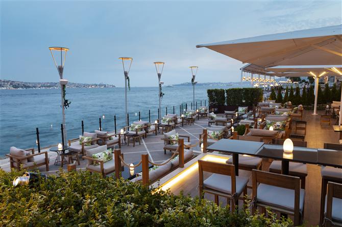 İstanbul'da Bu Yaz Yepyeni Bir Mekan: The 47 Music & Drinks - İstanbul'da Bu Yaz Yepyeni Bir Mekan: The 47 Music & Drinks