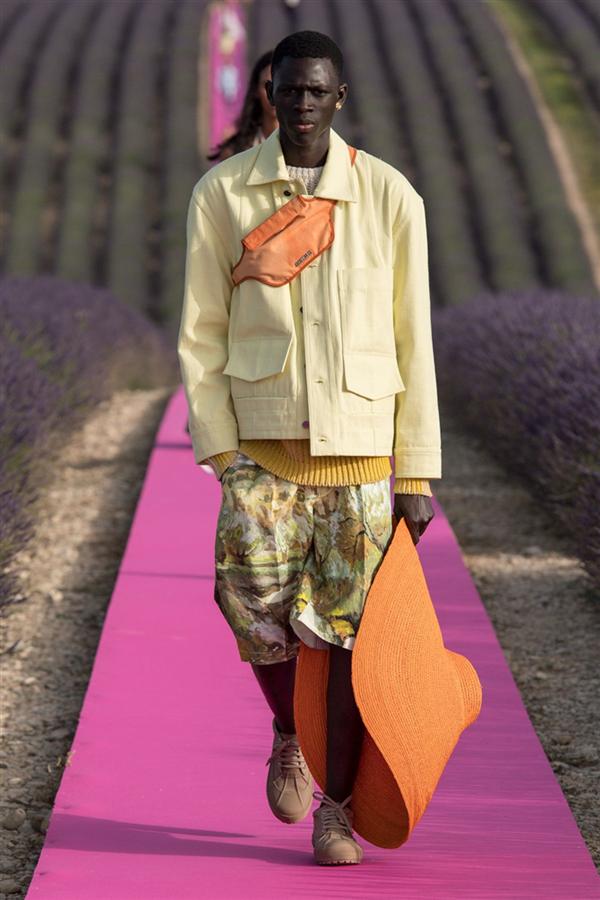Jacquemus İlkbahar/Yaz 2020 Defilesinin Kalp Çalan Tasarımları