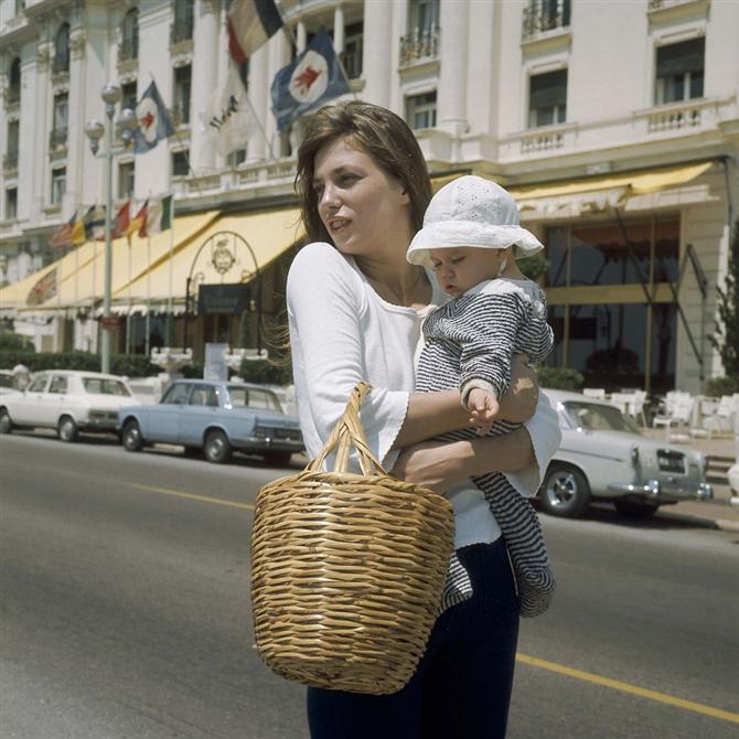 Jane Birkin'nin Hasır Çantaları Geri Dönüyor