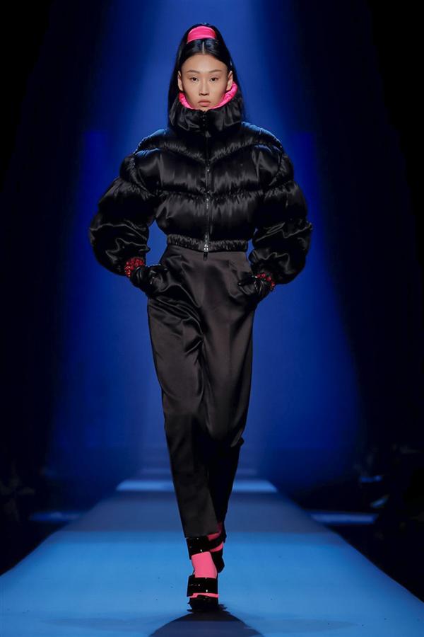 Jean Paul Gaultier Couture Sonbahar/Kış 2019'un Fütüristik Detayları