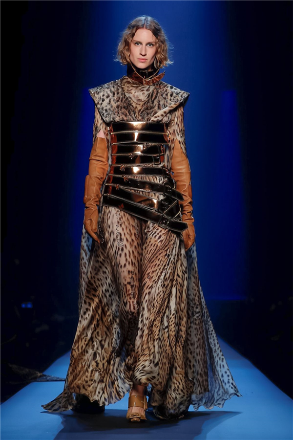 Jean Paul Gaultier Couture Sonbahar/Kış 2019'un Fütüristik Detayları - Jean Paul Gaultier Couture Sonbahar/Kış 2019'un Fütüristik Detayları
