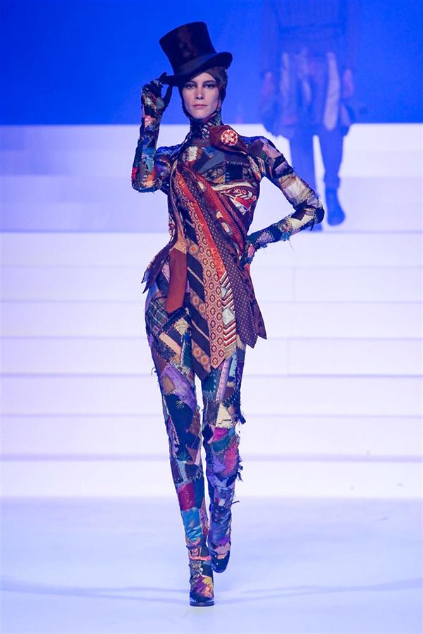 Jean Paul Gaultier Son Şovunu Yaptı - Jean Paul Gaultier Son Şovunu Yaptı
