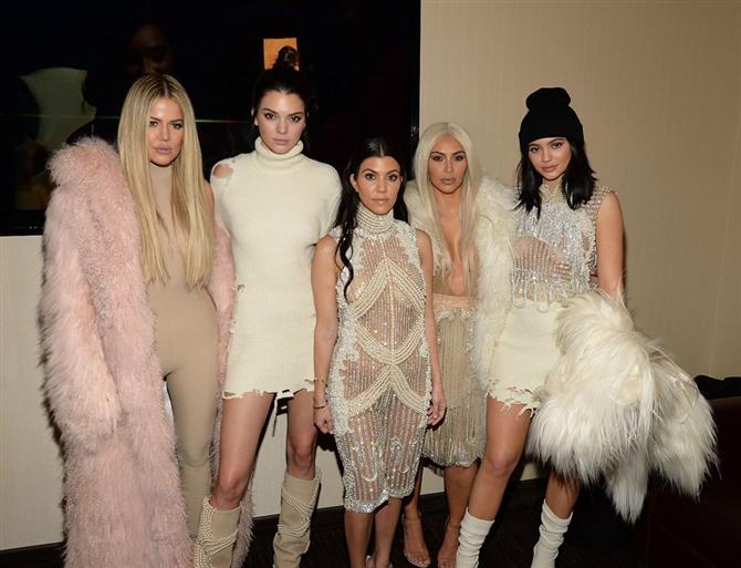 Kardashian Kardeşler Birbirine Girdi - Kardashian Kardeşler Birbirine Girdi