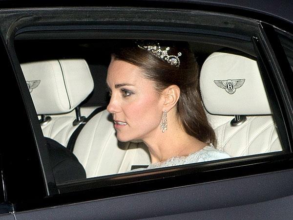 Kate Middleton Tacını Taktı
