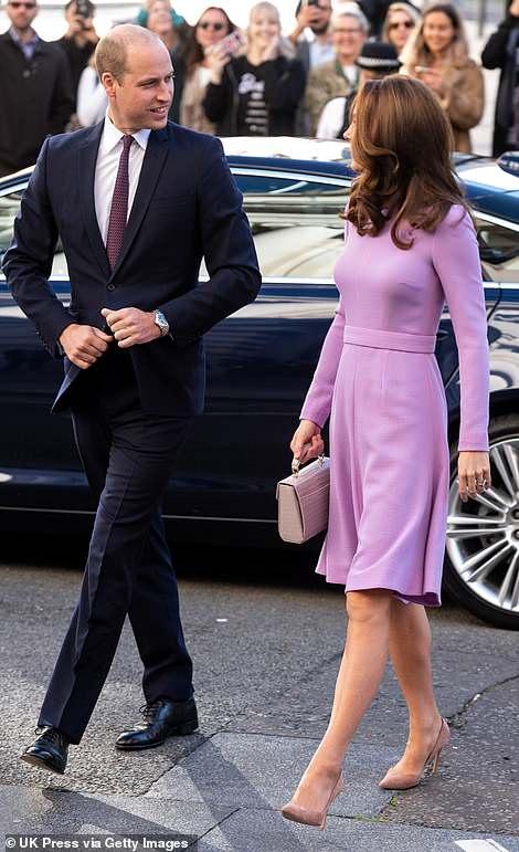 Kate Middleton ve Prens William Aynı Kıyafetle Farklı Davette