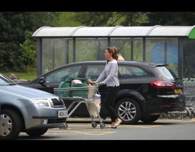 Kate Middleton yoga yaparak zayıfladı - Kate Middleton yoga yaparak zayıfladı