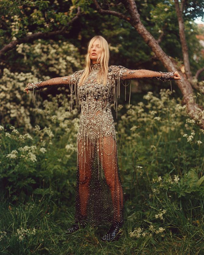 Kate Moss Alexander McQueen Sonbahar/Kış 2019 Kampanyasında - Kate Moss Alexander McQueen Sonbahar/Kış 2019 Kampanyasında