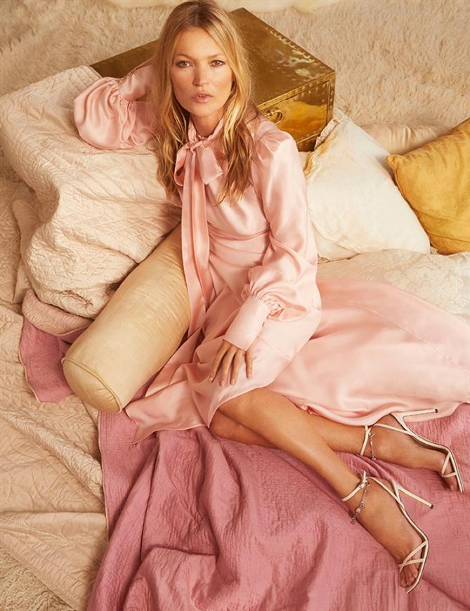 Kate Moss, Jimmy Choo Pre-Fall 2020 Kampanyası İçin Objektif Karşısında - Kate Moss, Jimmy Choo Pre-Fall 2020 Kampanyası İçin Objektif Karşısında