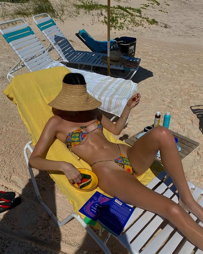 Kendall ve Kylie Jenner'ın Bahamalar Tatili Kombinleriyle Yaza Hazırlanın - Kendall ve Kylie Jenner'ın Bahamalar Tatili Kombinleriyle Yaza Hazırlanın