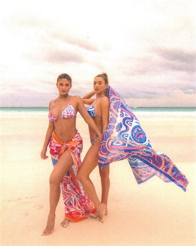 Kendall ve Kylie Jenner'ın Bahamalar Tatili Kombinleriyle Yaza Hazırlanın