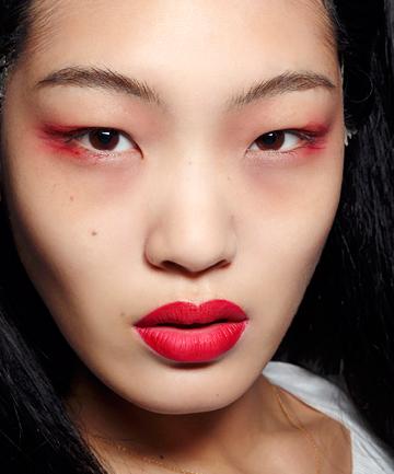 Kırmızı Far İçin 8 Farklı Makyaj Önerisi