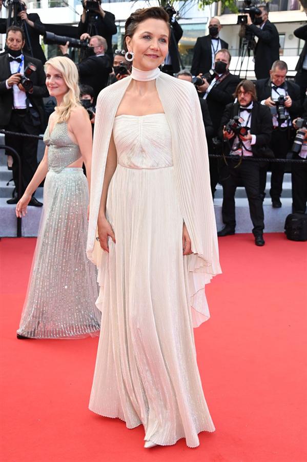 Maggie Gyllenhaal - Kırmızı Halı: 2021 Cannes Film Festivali
