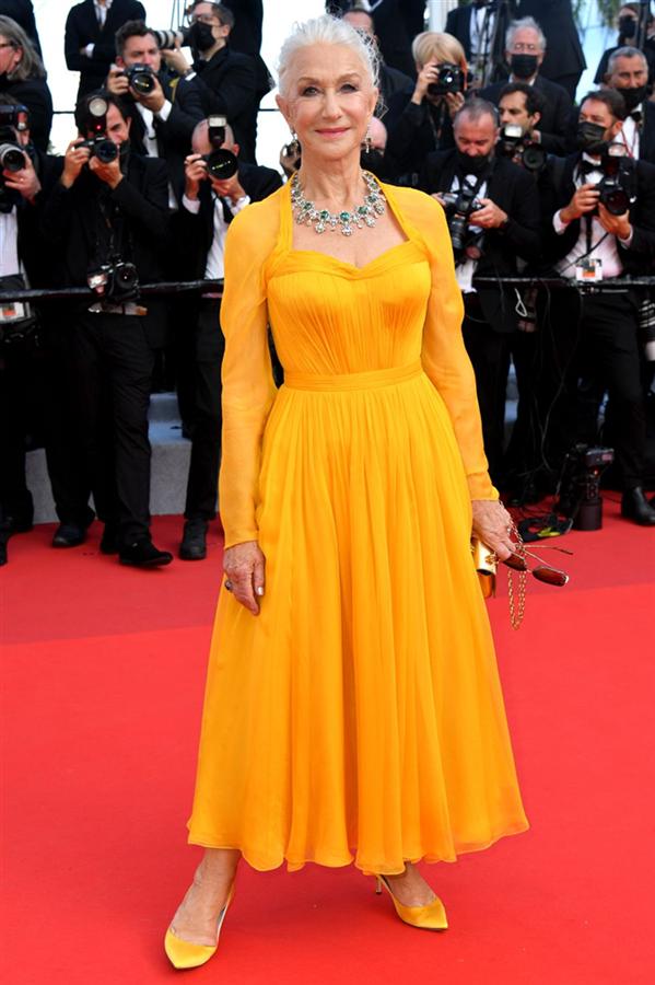 Helen Mirren - Kırmızı Halı: 2021 Cannes Film Festivali