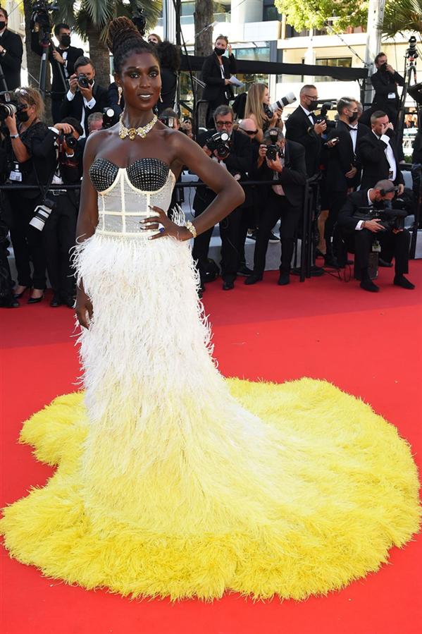 Jodie Turner-Smith - Kırmızı Halı: 2021 Cannes Film Festivali