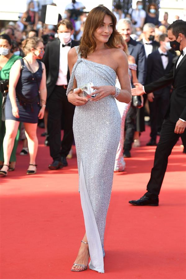 Carla Bruni - Kırmızı Halı: 2021 Cannes Film Festivali