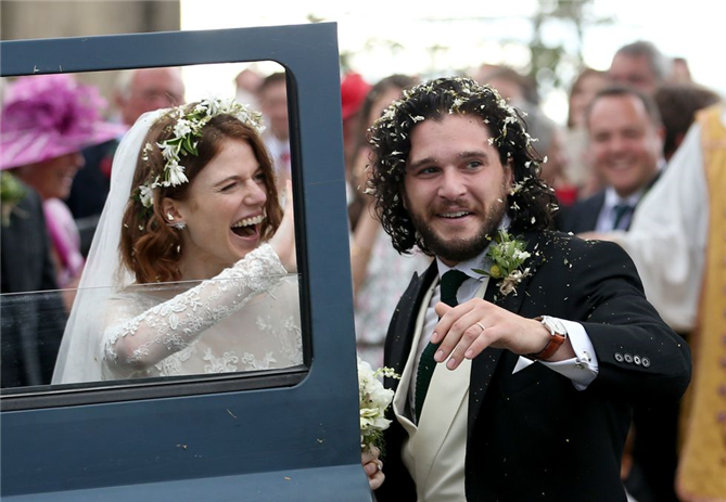 Kit Harington ve Rose Leslie Evlendi