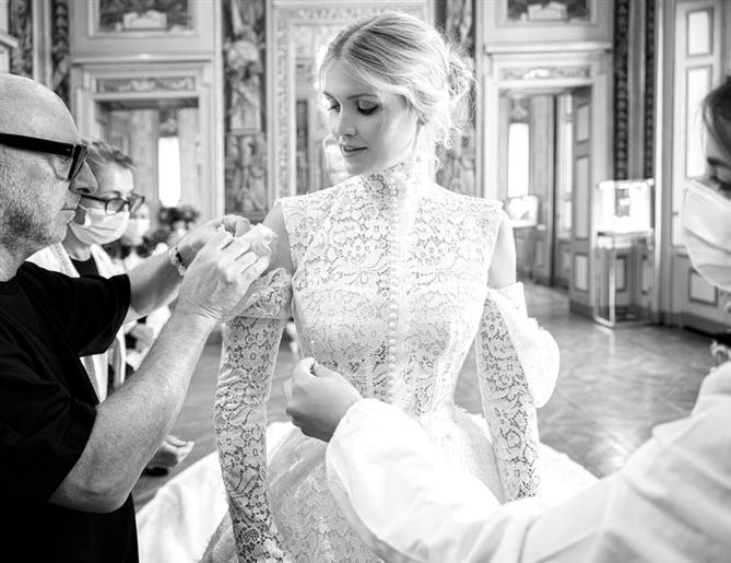 Kitty Spencer'ın Büyüleyici Dolce & Gabbana Gelinliğinden İlham Alın! - Kitty Spencer'ın Büyüleyici Dolce & Gabbana Gelinliğinden İlham Alın!