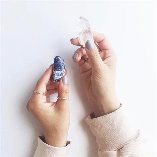 Kristal Terapiye Dair Merak Edilenleri Banu Roze Gül Açıkladı