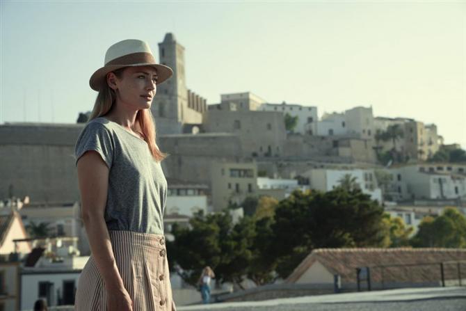 La Casa De Papel'in Yaratıcısından Yeni Netflix Dizisi: White Lines - La Casa De Papel'in Yaratıcısından Yeni Netflix Dizisi: White Lines